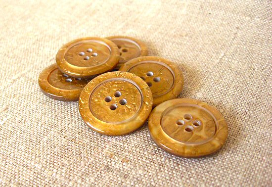pretty gold buttons