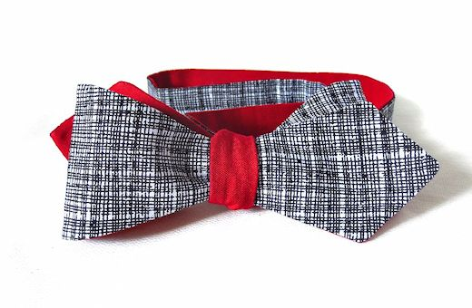 reversible, diamond-point bow tie