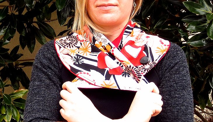 astrid scarf buttoned in front